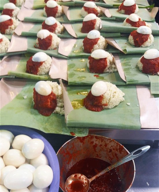 [Test] Lemak, Spice, & Everything Nice: 6 Delicious Nasi Lemak Spots in Klang Valley For M'sian Foodies - WORLD OF BUZZ 19