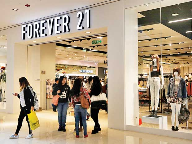 It's Official: Forever 21 Files for Bankruptcy, Expected To Closed 350 Stores Worldwide - WORLD OF BUZZ 1