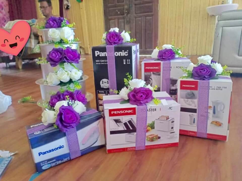 M'sian Newlyweds Creatively Give Each Other Household Appliances As Dowry, Netizens Amused - WORLD OF BUZZ 4