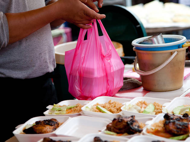 33yo Man Lazy to Cook, Almost Went Blind As He Always Tapau Food & Drinks Soft Drinks - WORLD OF BUZZ 2
