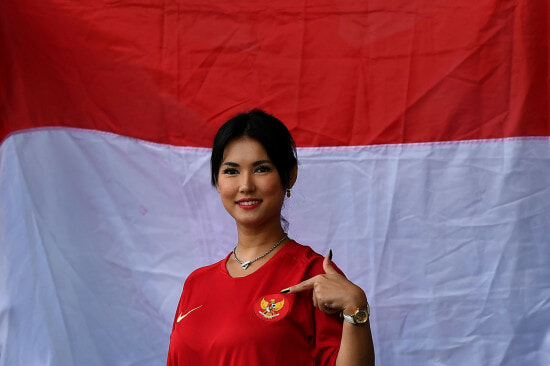 Remember Maria Ozawa? She's Now the Unofficial Mascot of Indonesian Football Team at the SEA Games! - WORLD OF BUZZ