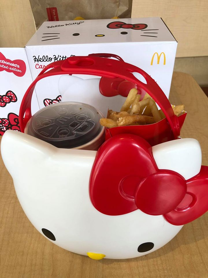 Scalpers in M'sia Are Selling the McDonald's Hello Kitty Carrier Online for Prices Up to RM3,000 - WORLD OF BUZZ 3