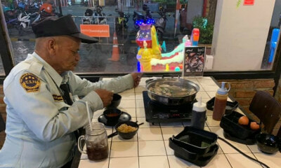 Security Guard Who Only Had An Egg For His Meal Treated With Shabu-Shabu by Kind Girls - WORLD OF BUZZ