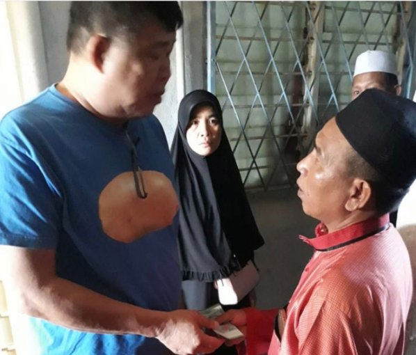 Kind M'sian Uncle Offers Help To Families Who Can't Afford Funerary Costs Regardless of Race - WORLD OF BUZZ 7