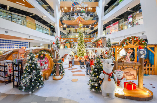 [TEST] Winter is Coming To This KL Mall with Snow, a Christmas Parade & 3000 Toblerone Chocolates to Giveaway! - WORLD OF BUZZ 11