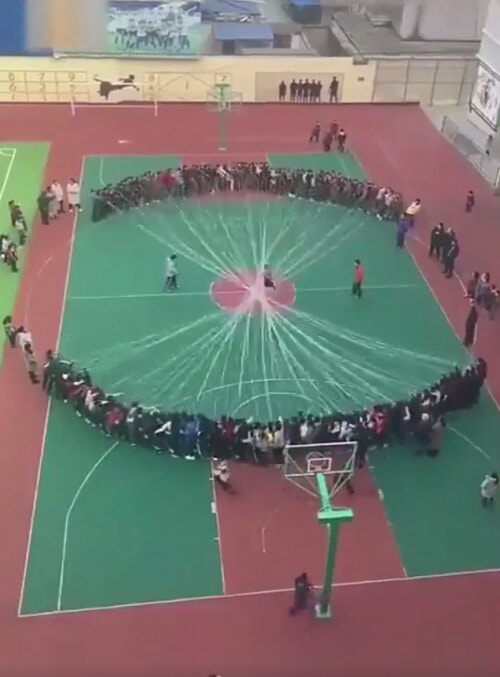 Watch: When The Whole School Decides To Join The Jump Rope Game - WORLD OF BUZZ 2