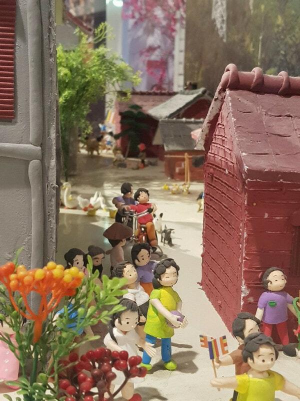 Jenjarom Lights Lit Weih Cny Lantern & Floral Festival - World Of Buzz 5