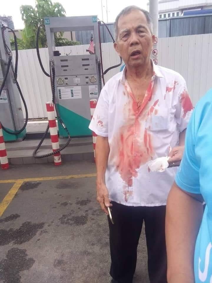 61yo Cheras Taxi Man Beats Friend To Death After He Cuts His Line While Pumping Gas - WORLD OF BUZZ 1