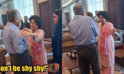 Dr Mahathir Felt Shy When Dr Siti Hasmah Hugged Him - WORLD OF BUZZ 1