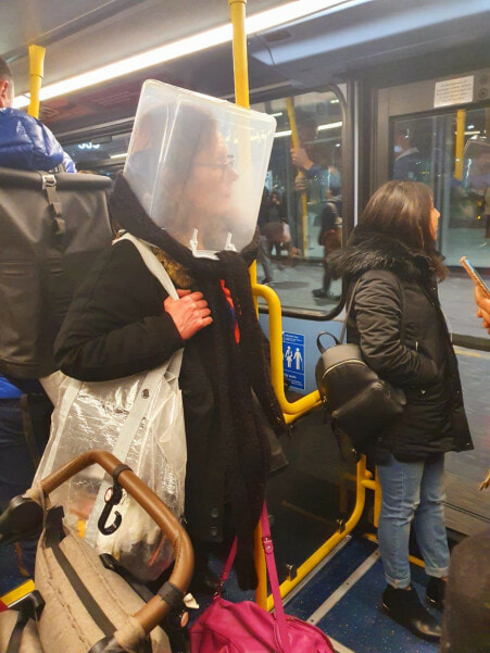 Hilarious Photos Shows Creative Ways Londoners Use to Avoid Being Infected with Covid-19 - WORLD OF BUZZ 3