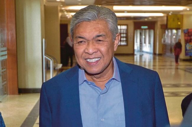 """I'm Sorry for The Confusion,"" Zahid Says After Failing to Prove to Court He Had Meeting with PM - WORLD OF BUZZ"