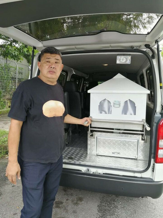Kind Chinese Uncle Offers Free Use Of Funeral Van For Poor Malay Families Who Can't Afford It - WORLD OF BUZZ 2