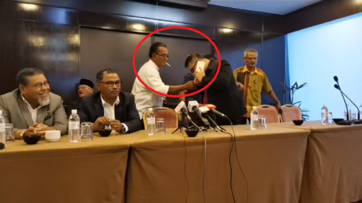 New Melaka State Govt Members Openly Smoke Cigarettes In Smoke-Free Zone Hotel During Conference - WORLD OF BUZZ