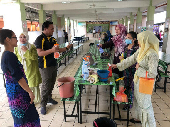 Teachers from a Sabah Primary School Launches Disinfection Programme to Protect Their Students - WORLD OF BUZZ 1