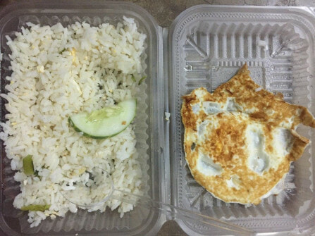 Malaysian University Student Complains About Quality of Free Food Given, Netizens Outraged - WORLD OF BUZZ 10