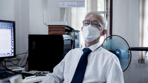 Elderly Man Wearing Kf Mask